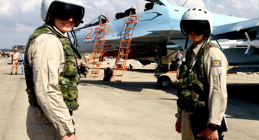 Pilotos russos em Hmeymim, na Síria