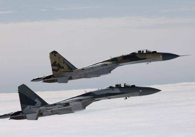 Caças russos Su-35
