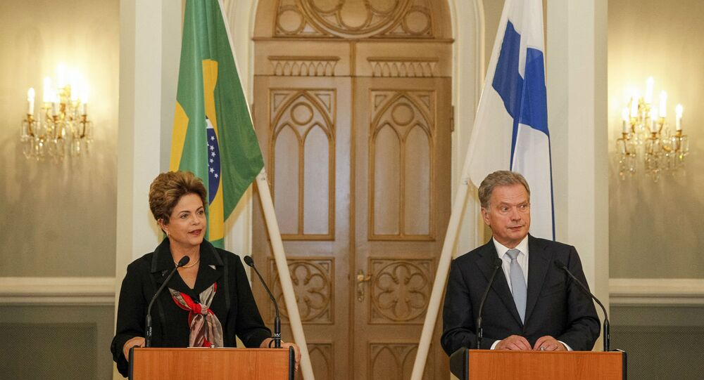 Dilma Rousseff e Sauli Niinisto, em encontro em Helsinque.