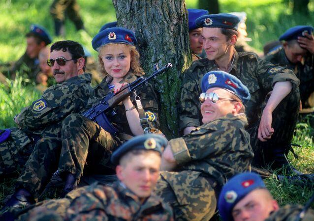 Paraquedistas das Tropas Aerotransportadas Russas na região de Pskov