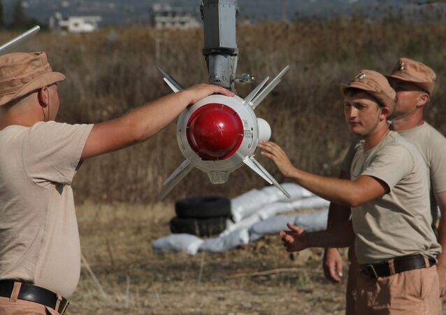 Militares russos na base aérea em Hmeymim, na Síria
