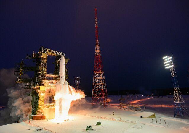 Lançamento do foguete Angara-A5, em dezembro de 2014
