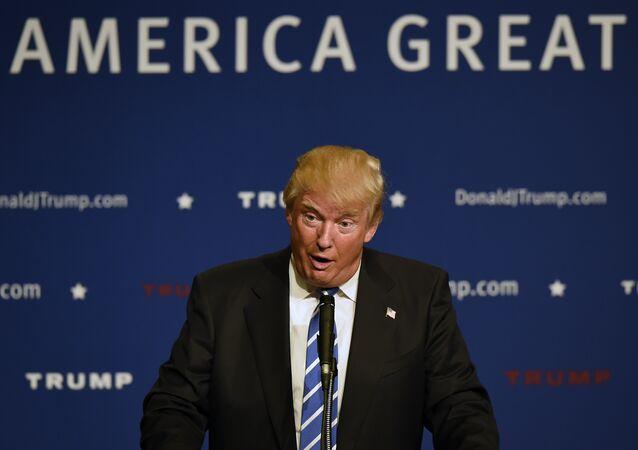 Candidato presidencial republicano Donald Trump faz um discurso em um evento (foto de arquivo)