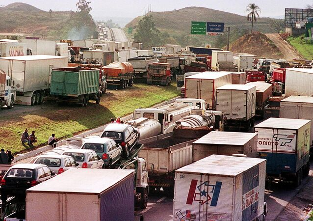 Greve dos caminhoneiros, Brasil