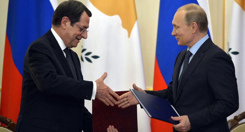 Presidente de Chipre Nicos Anastasiades e presidente russo Vladimir Putin