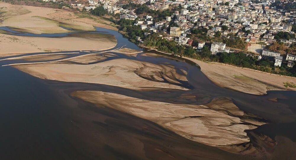 Lama de Barragens avança pelas cidades de Minas Gerais e chega a Espírito Santo nesta segunda-feira (9)