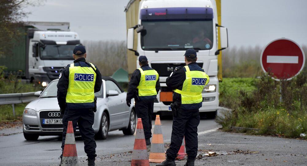 Polícia francesa reforça segurança na fronteira