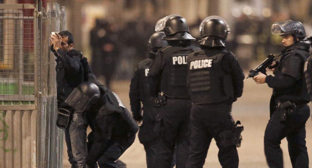Operação especial da polícia francesa nos arredores de Paris, 18 de novembro 2015