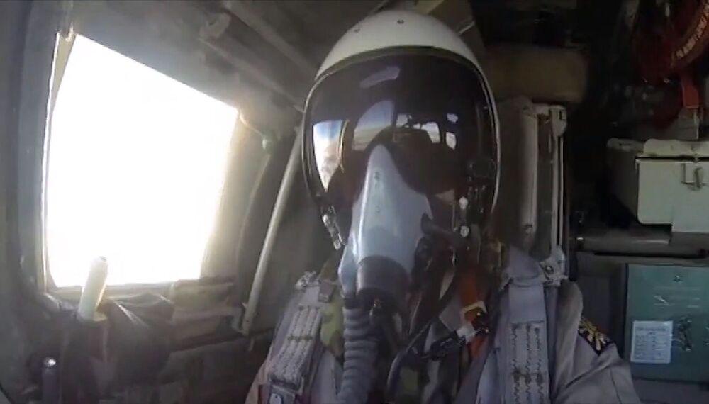 Piloto das Forças Aeroespaciais da Rússia em missão contra EI na Síria