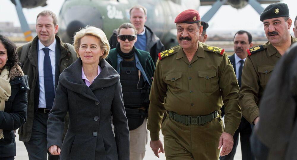 Ministra da Defesa da ALemanha Ursula von der Leyen chega a Bagdá, 11 de janeiro 2015