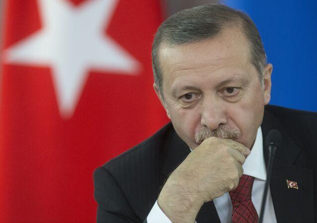 Recep Tayyip Erdogan estaria sendo alvo de duras críticas por parte da mídia iraniana por se recusar a condenar as execuções em massa na Arábia Saudita