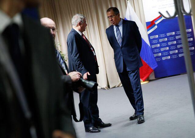 Ministro das Relações Exteriores da Rússia, Sergei Lavrov, aguarda o secretário de Estado dos EUA para uma reunião bilateral, no âmbito do conselho ministerial da OSCE em Belgrado