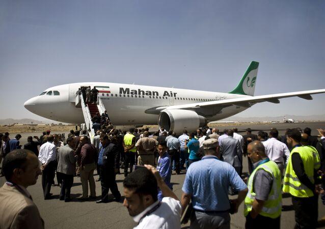 Avião iraniano leva ajuda humanitária ao Iêmen