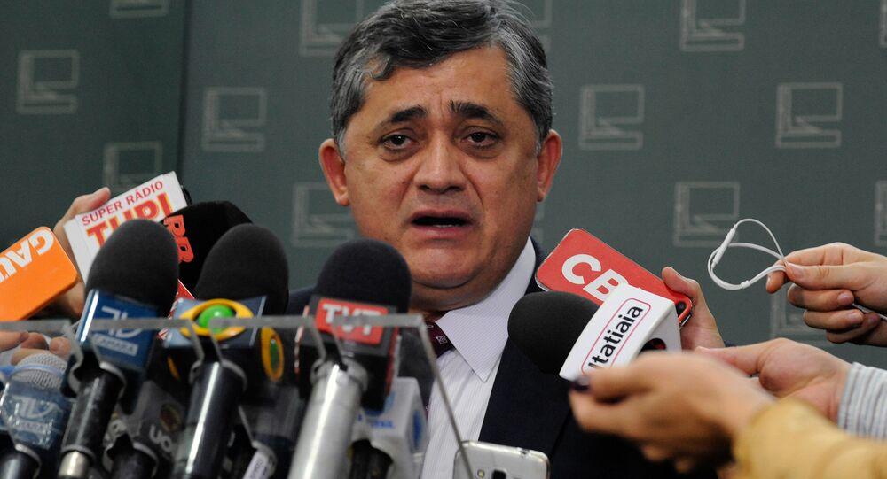 O líder do Governo, deputado José Guimarães, do PT do Ceará, espera que a decisão do Supremo restabeleça a ordem e o rito desse processo de impeachment
