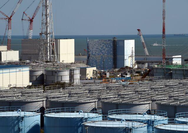 Vista de uma instalação da usina de Fukushima em outubro de 2015