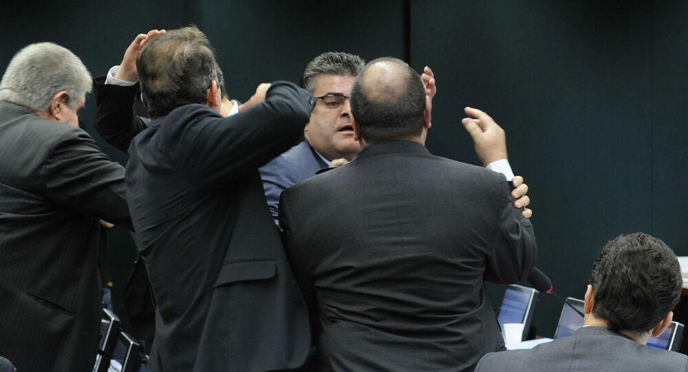 Deputados brigaram em reunião do Conselho de Ética da Câmara.