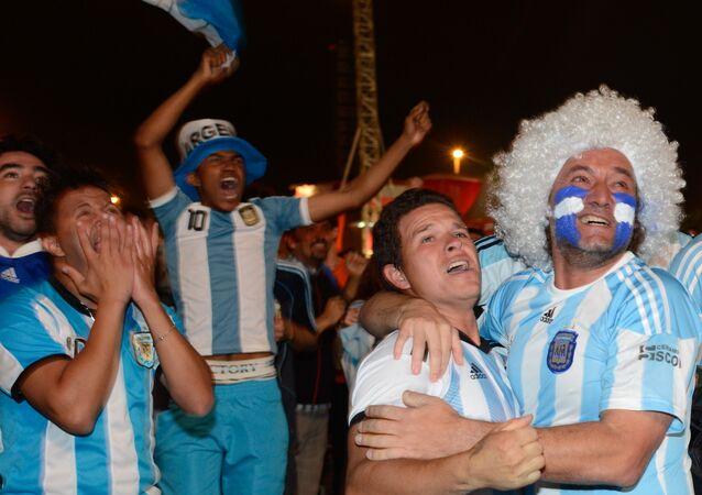 Torcecedores argentinos em Brasília durante a Copa do Mundo FIFA de 2014