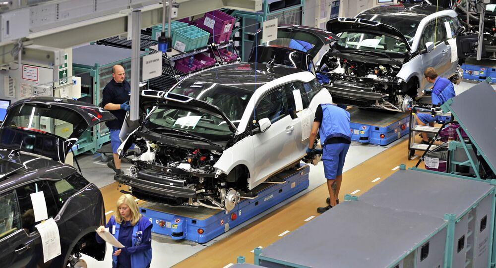 Empregados da BMW na fábrica em Leipzig