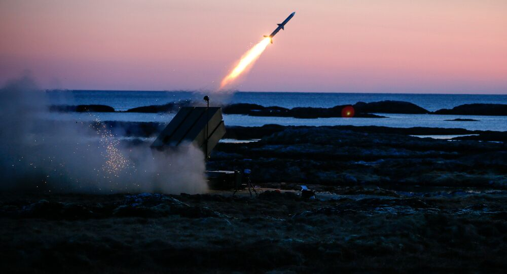 Testes com o sistema de mísseis antiaéreos NASAMS