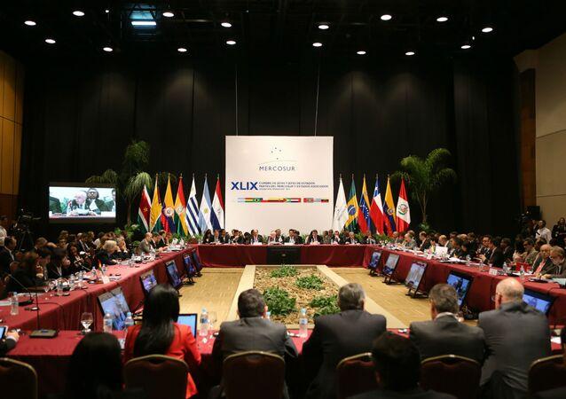 Uma reunião ministerial, no domingo 20), antecedeu a 49ª Cúpula do Mercosul.