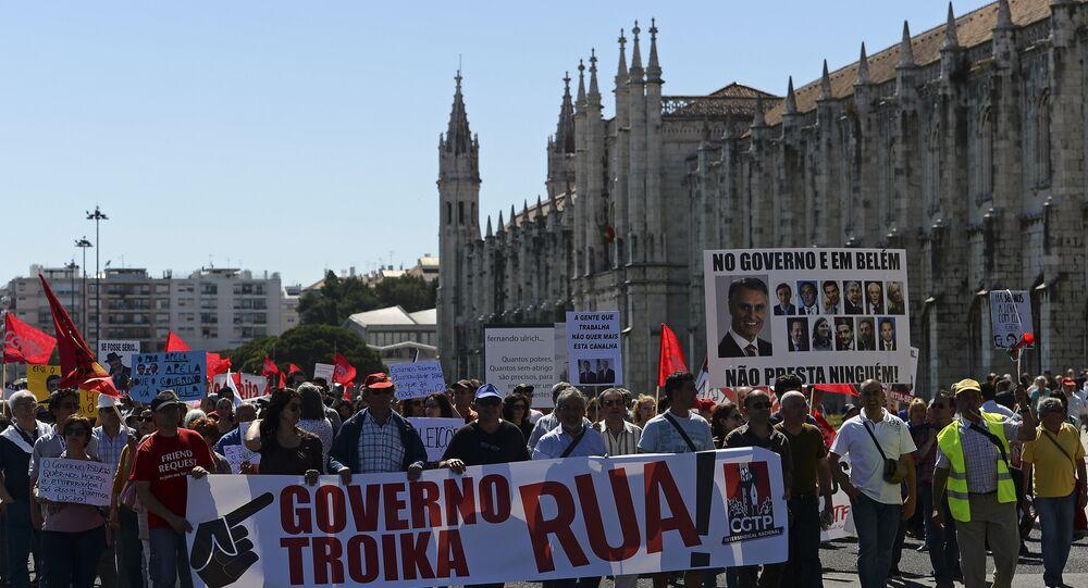 Manifestantes protestam contra troika e governo em Lisboa, Portugal