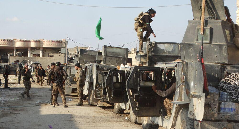 Forças de segurança do Iraque se preparam para avançar ao centro da cidade de Ramadi, Iraque, 24 de dezembro de 2015