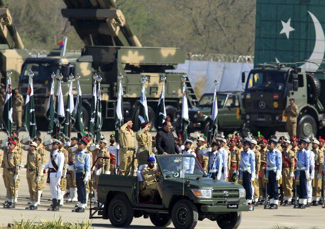 Parada Militar em Islamabad, em 23 de março de 2015