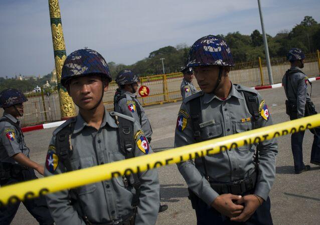 Polícia tailandesa, alvo dos ataques realizados no sul da Tailândia na última noite (imagem de arquivo)