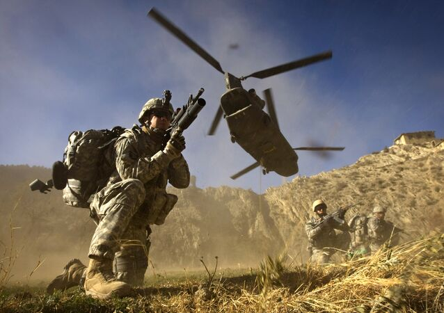 Soldados do exército dos EUA da 101ª Divisão Aerotransportada