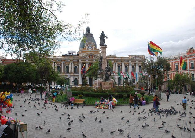Defesa boliviana quer que militares deixem para trás modelo imperialista