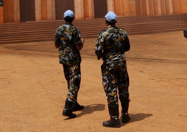 Soldados da Missão de Estabilização Integrada Multidimensional da ONU (MINUSCA) na República Centro-Africana