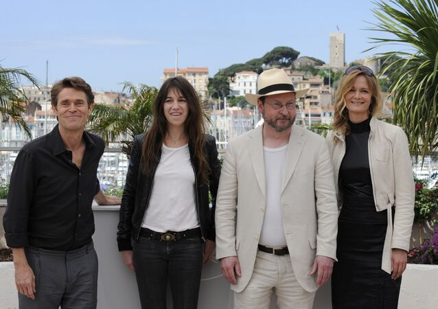Willem Dafoe, Charlotte Gainsbourg, Lars von Trier e a produtora do filme Anticristo Meta Louise Foldager no Festival de Cannes em 2009