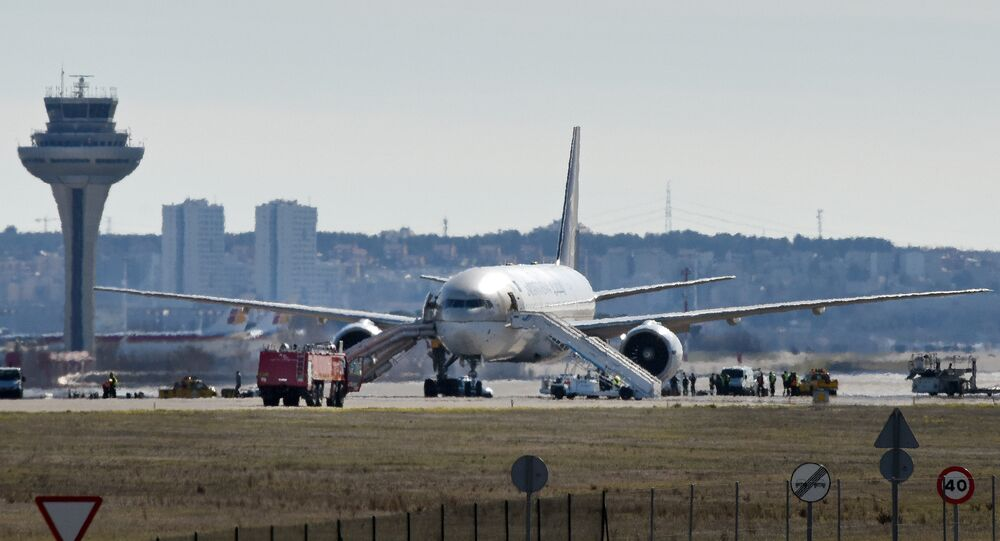Incidente foi provocado por bilhete misterioso encontrado no interior da aeronave
