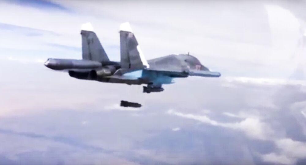 Um Su-34 russo durante uma missão na Síria em 9 de dezembro de 2015