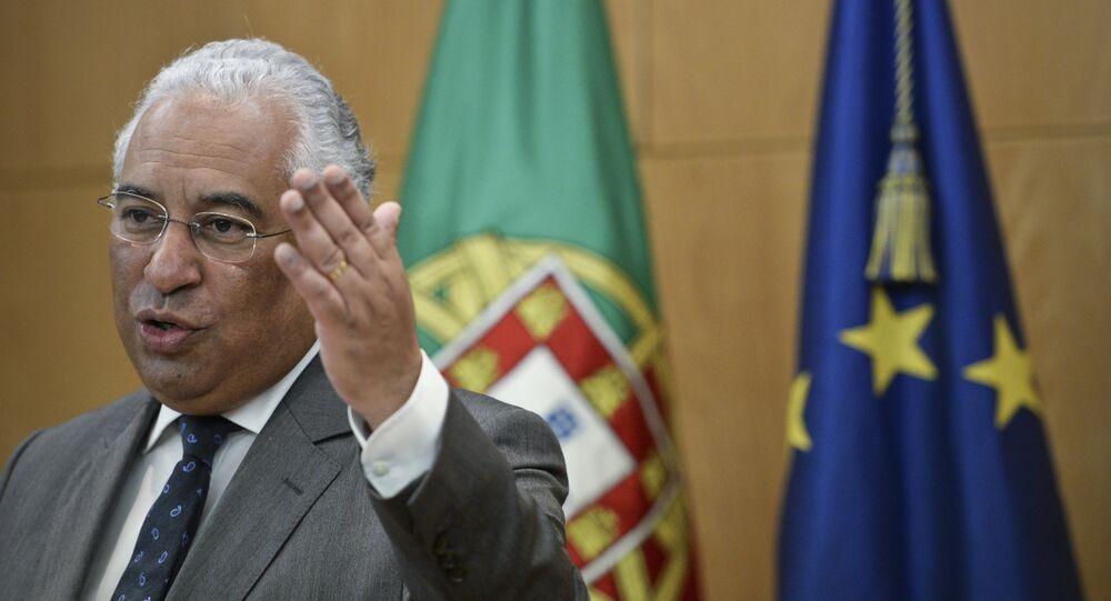 Primeiro-ministro de Portugal, António Costa, durante a assinatura de um acordo com a transportadora aérea TAP, em 6 de fevereiro de 2016