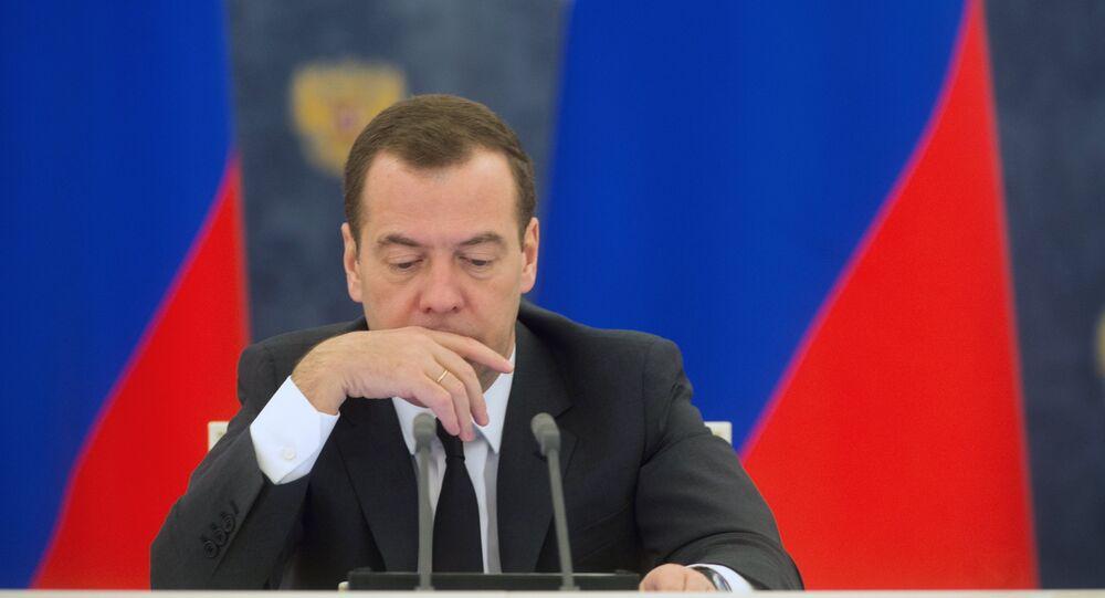Dmitry Medvedev em 11 de fevereiro, durante a reunião de trabalho do Gabinete de ministros