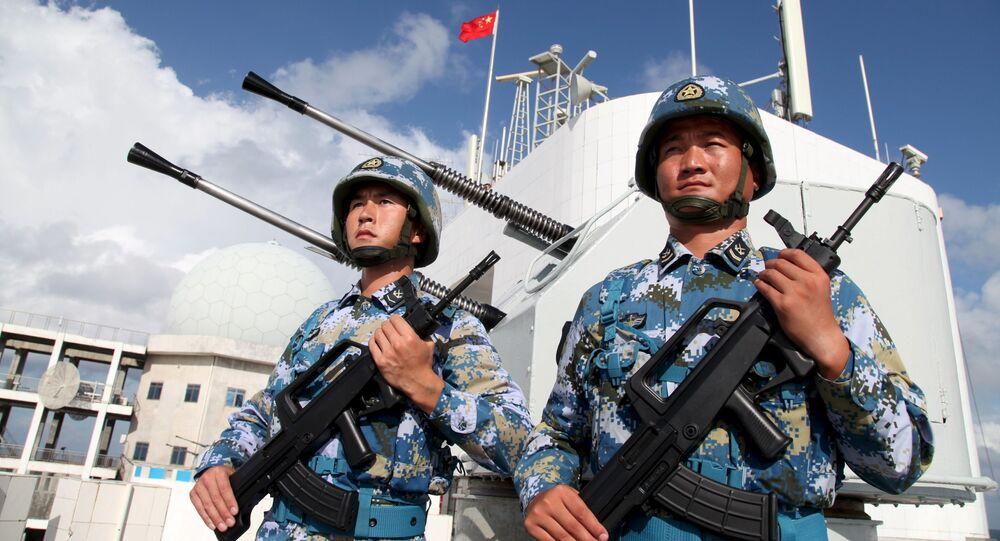Soldados do Exército de Libertação do Povo da China nas ilhas Nansha (Spratly), no mar do Sul da China (imagem de arquivo)