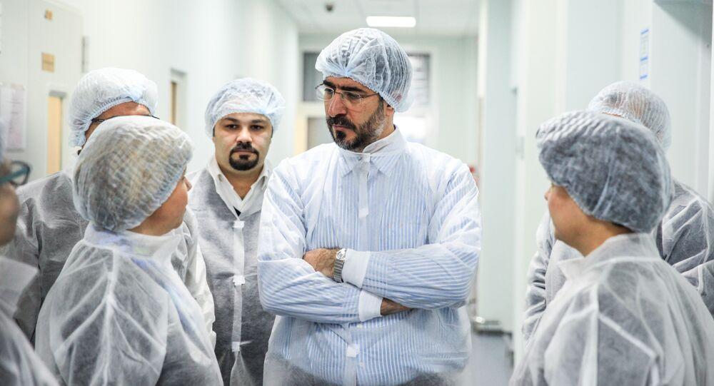 Farmacêuticos russos e iranianos