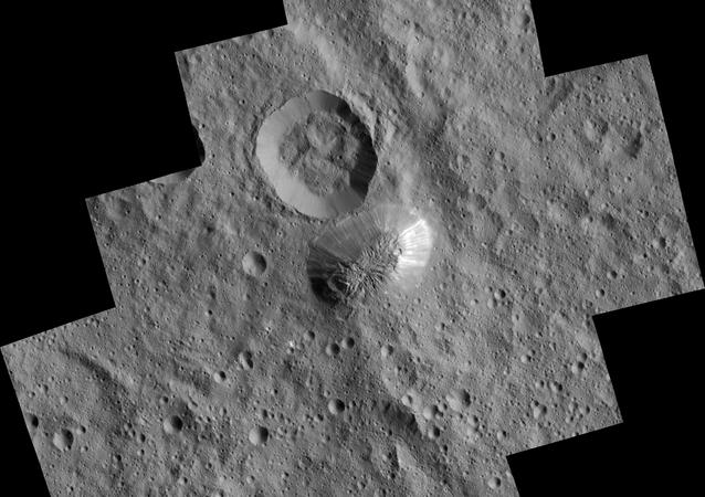 Montanha Ahuna no planeta anão Ceres