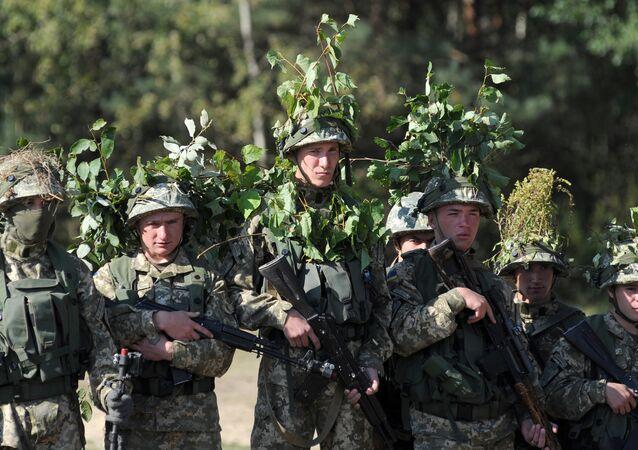 Militares ucranianos participam dos exercícios