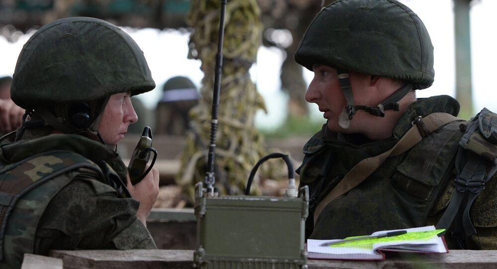 Soldados russos durante exercícios militares na região da cidade de Chelyabinsk. Foto de arquivo