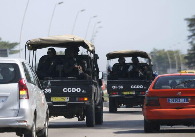Forças de segurança rumam para Grand Bassam em Abidjan, costa do Marfim