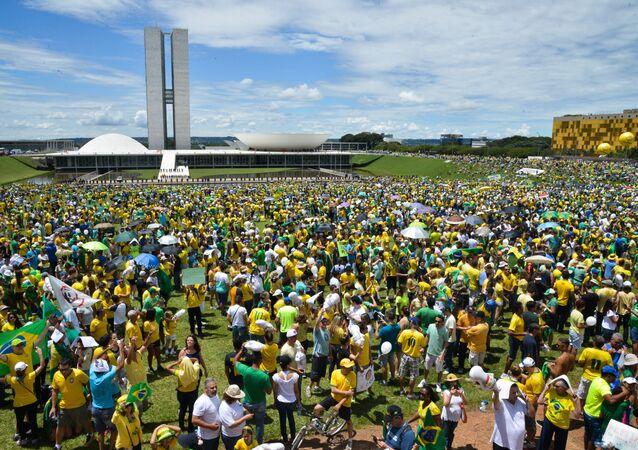 Em Brasília, manifestantes se reúnem em frente ao Congresso Nacional (arquivo)