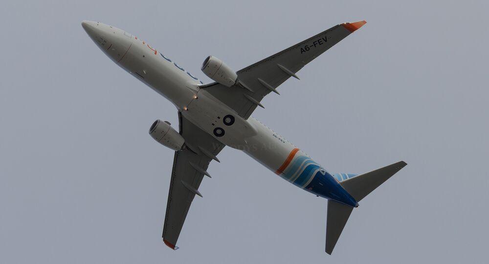 Avião Boeing-737-800 das linhas aéreas FlyDubai