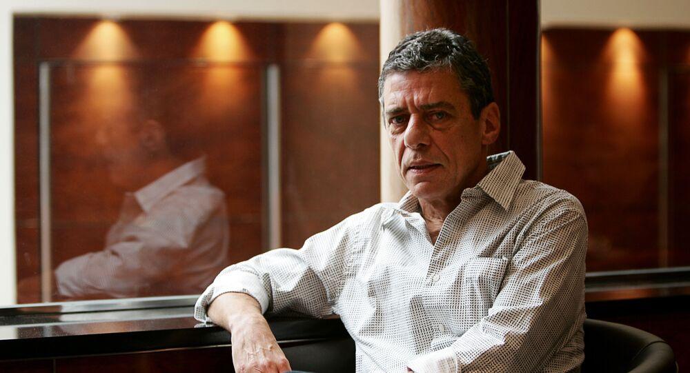 Chico Buarque de Hollanda, artista brasileiro