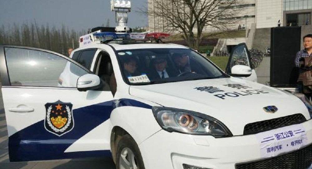 Veículo policial chinês capaz de escanear retratos