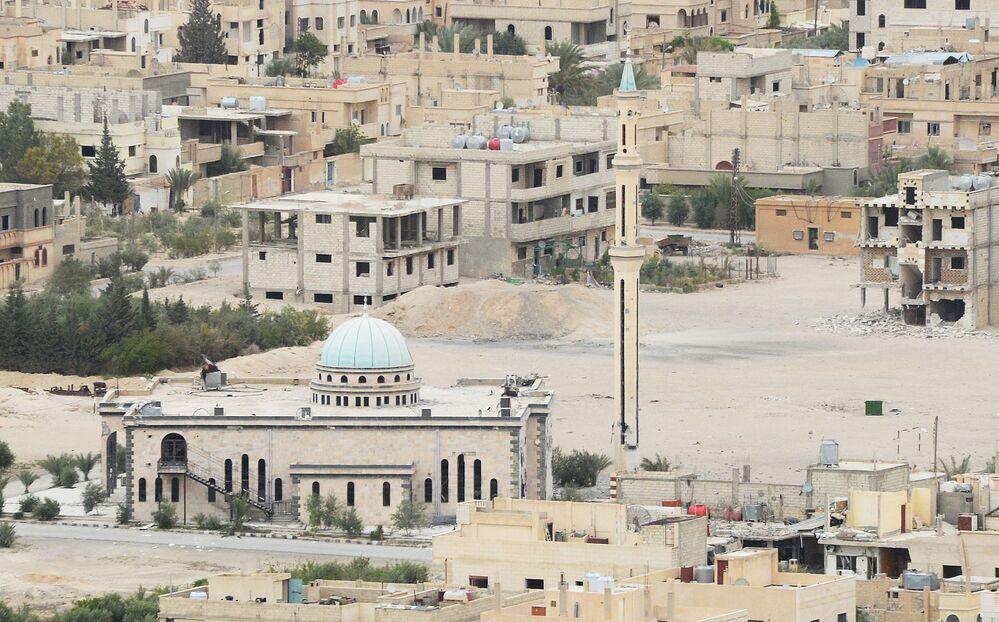 Assim é o centro da parte habitada da cidade de Palmira, onde combates entre forças leais ao governo sírio e militantes do Daesh continuam