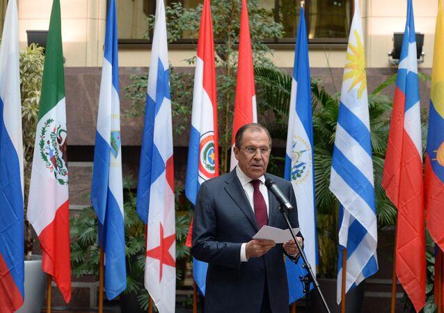 Ministro das Relações Exteriores da Rússia, Sergei Lavrov, fala durante evento por ocasião dos 70 anos de relações diplomáticas entre a Rússia e as nações da América Latina (foto de arquivo)