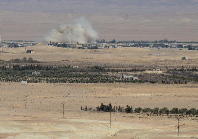 Governo e milícias da Síria nos arredores de Al Qaryatayn