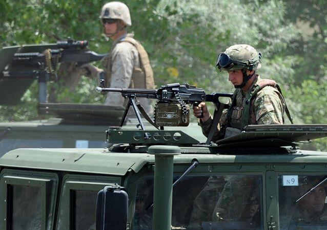 Soldados norte-americanos e georgianos participam dos exercícios militares Agile Spirit 2014, base militar de Vaziani, junho de 2014 (foto de arquivo)